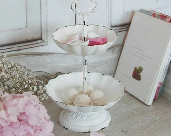 Floor LOUISA in country house Shabby Chic style, dreamlike antique etagere