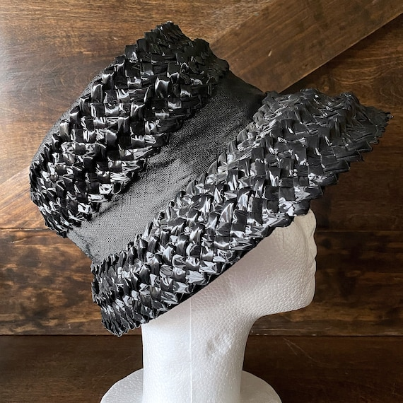 Vintage mourning hat, black rattan, cloche hat, wi