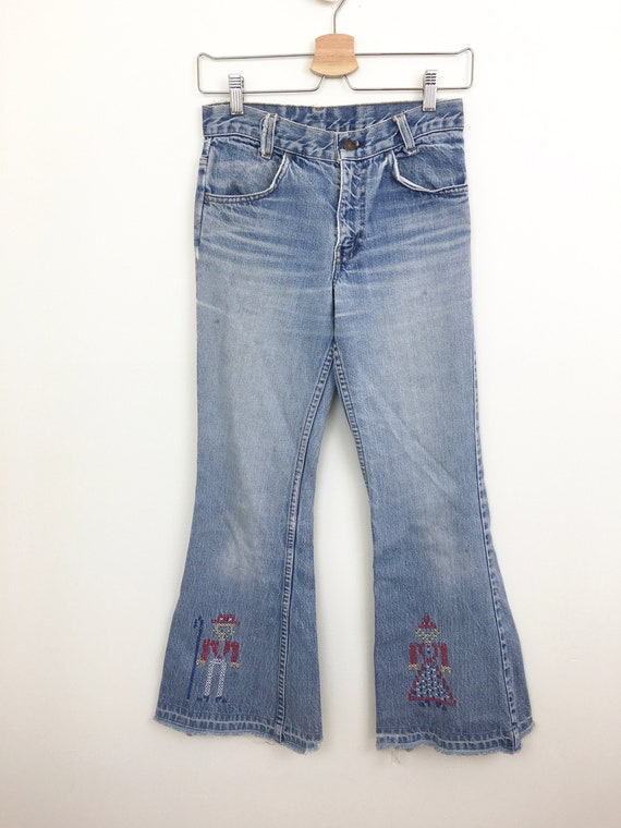Vintage 1970s DISTRESSED Faded EMBROIDERED Patched