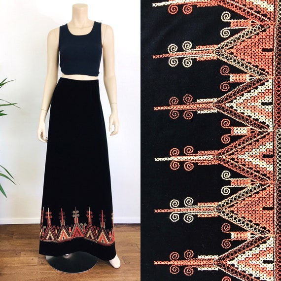 Vintage 1970s EMBROIDERED Maxi Skirt Hippie / Boho