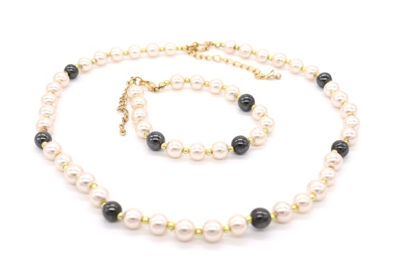 Circle Hematite with White Faux Pearls Necklace and Earrings Set