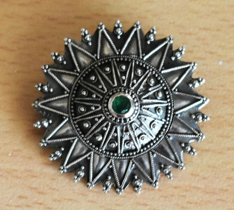 925 Sterling Silver Constantinople Brooch Pin Byzantine Ornament with Emerald- Floral Motif