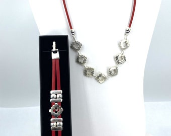 Girl Bracelet of  The Holy Spirit Medal handmade jewelry with a Single Leather Strap by Graciela/'s Collection