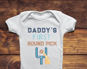Daddy's First Round Pick, Baby, Baby Clothes, New Dad Gift, New Dad Gift From Wife, Football Bodysuit, Fantasy Football, Baby Shower Gift