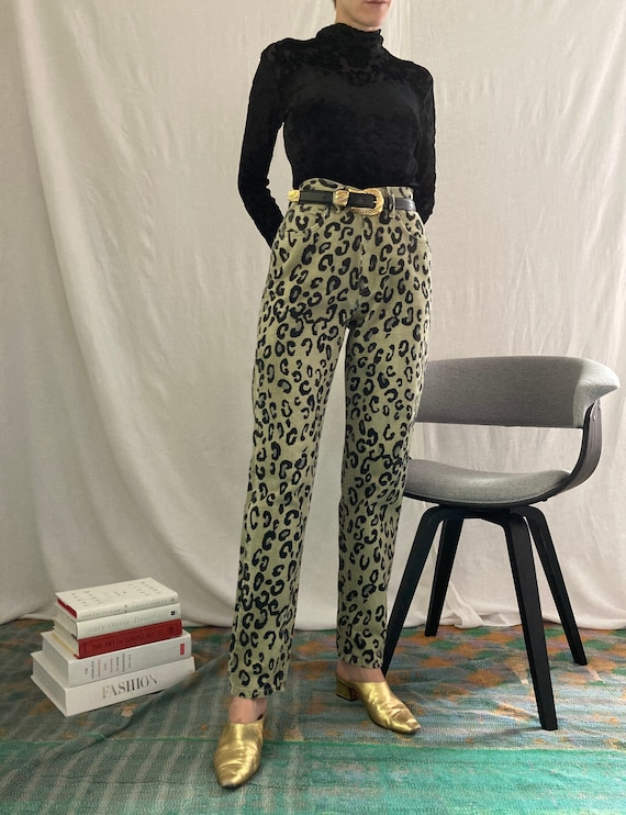 Vintage 90s High Waisted Guess Jeans in Cheetah Pr
