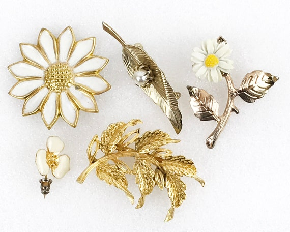 5 Vintage Floral Pins Gold-Tone Brooches Flower Pi