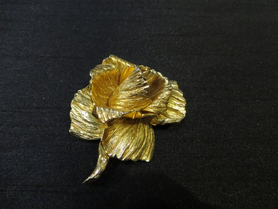 Vintage Dior rose brooch