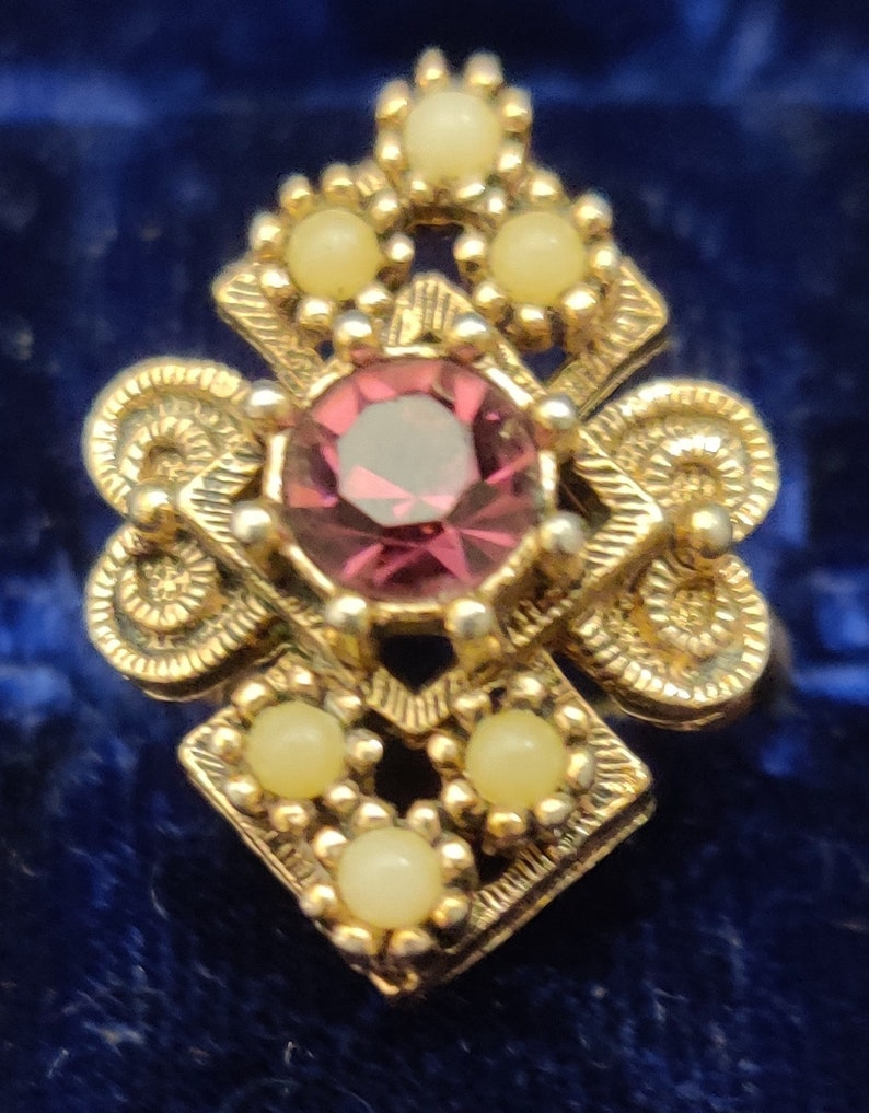 Vintage Sarah Coventry Ring Romantic Victorian Style Amethyst /& Pearl Adjustable