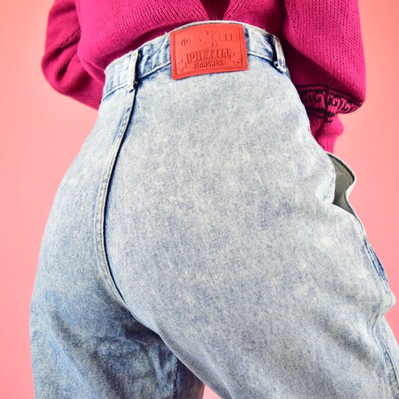 vintage 80s acid wash high waisted jeans