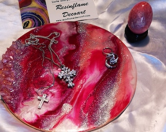 Small round painting. Resin painting. Geode wall art