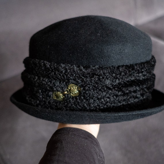 Elegant Black Vintage Hat, Second Hand Winter Hat,