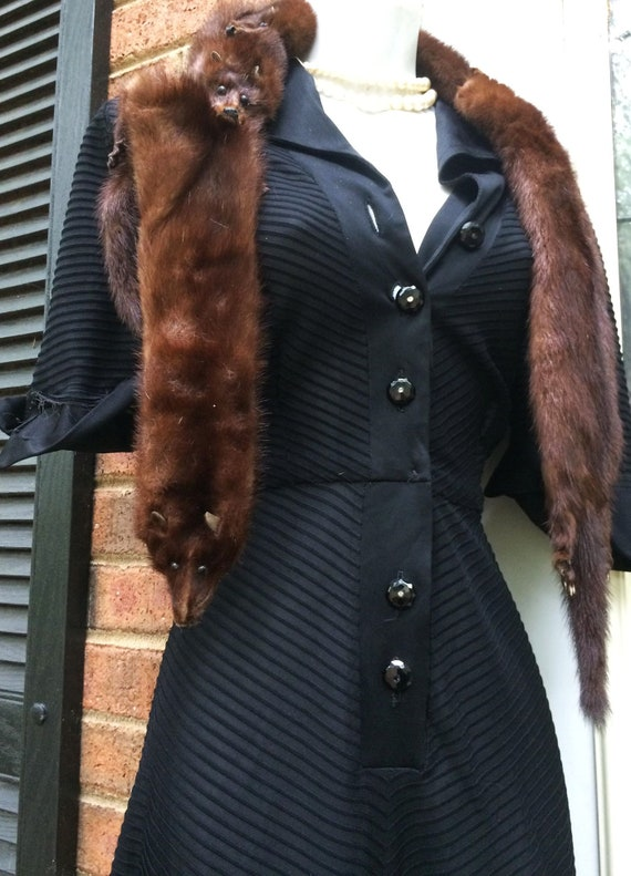 Black 40s dress vintage gothic noir vamp femme fat