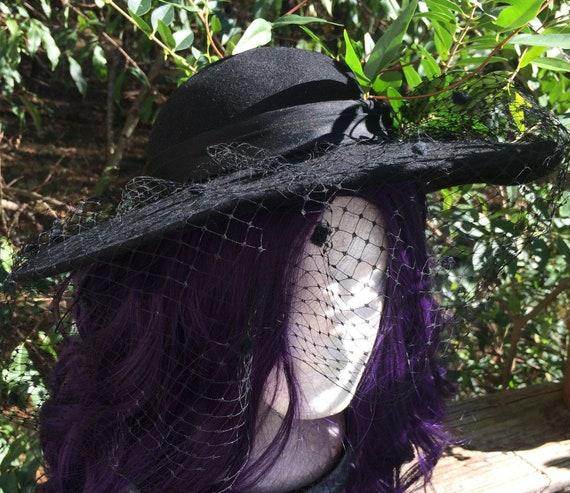 Black veil hat vintage felt wool  netting    gothi