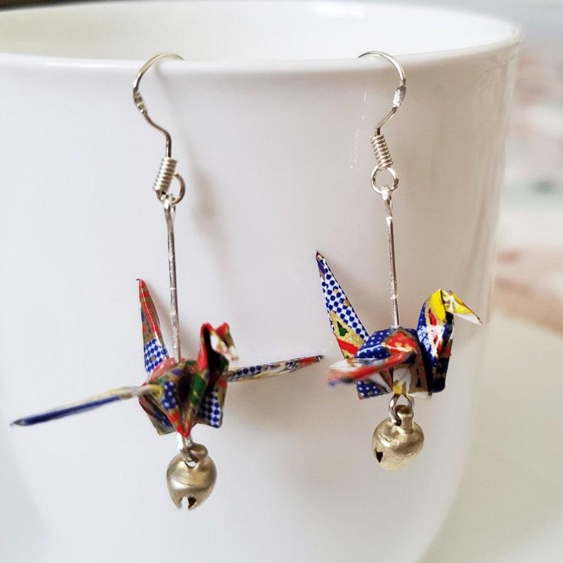Japanese Crane Dangle Earring Washi Paper Earrings Origami Crane Bell Earring Bridesmaids Tsuru Jewelry Bird Earring Gift for Mom