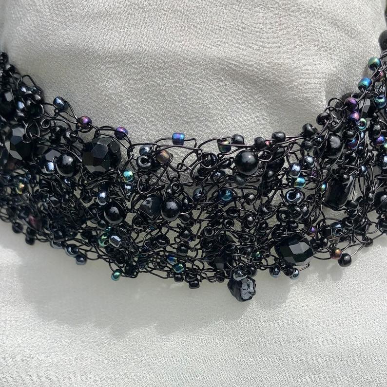 handmade women/'s jewellery Black choker iridescent woven beaded choker necklace
