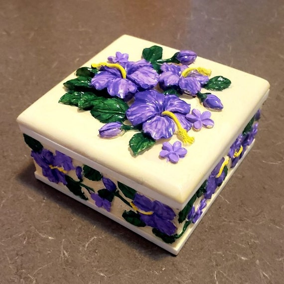 Hibiscus Porcelain Keepsake Box (Click for more views)