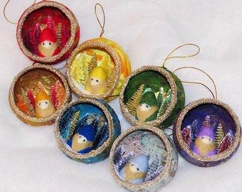 Handmade Gnome Ornament, Christmas gnome ornament, Gnome Christmas ornament, Gnome Diorama, diorama ornament, Christmas diorama