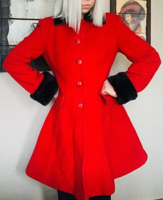 Vintage 12 Red Wool Trench Coat Faux Fur Trim, Vin