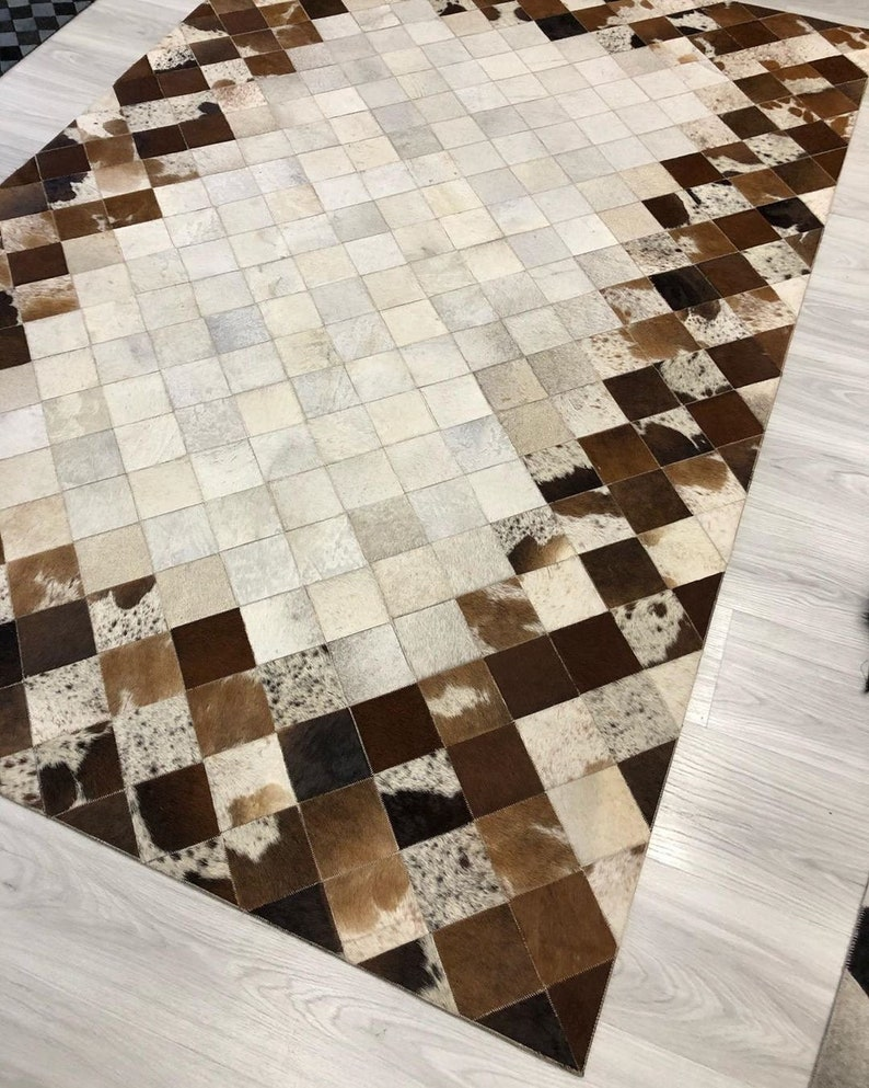 Natural Organic Soft Hair Large Cowskin Carpet for Home Decor Natural Cowhide Patchwork Area Rug White Brown Cowhide leather Area Rug