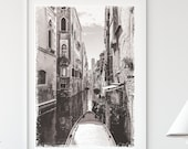 Venice Printable Wall Art, Black and White Poster Print, Venice Grunge Photo, Gondolas Print, Europe Italia Travel Photo, Venetian Photo Art