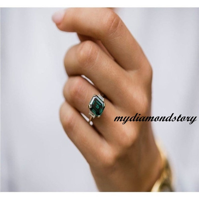 Engagement Ring 2.00 Ct Emerald Dark Green Moissanite Wedding Ring Anniversary Gift Ring Two Tone Gold Ring 14K White/&Yellow Gold Ring