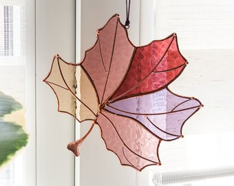 Suncatcher maple leaf Stained glass maple leaf Canadian maple decor Wall art decor Suncatcher wall and window decor Leaf decor