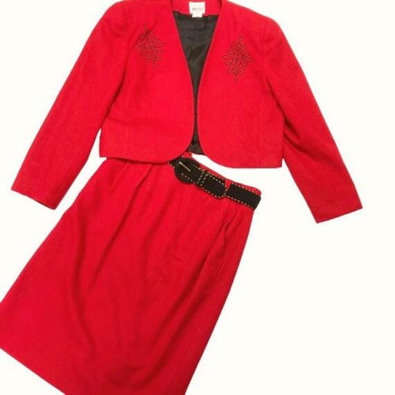 LESLIE FAY suit size 12P