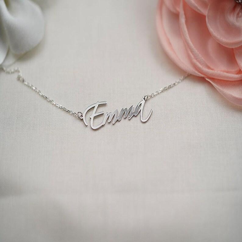 Cadeau de Noel Family Name Necklace Dainty Name Necklace Personalized Name Necklace