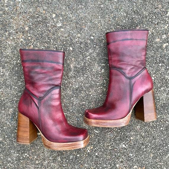 Vintages 90s platform ankle boots