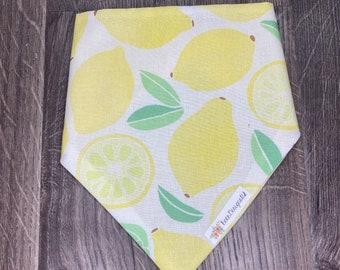 Mama/'s Main Squeeze  Lemon Bandana Summer Bandana Dog Bandana Yellow Dog Bandana  Saying