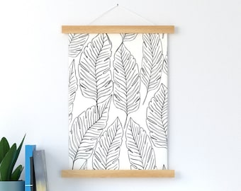 Banana Leaves Outline in Black and White Wall Hang