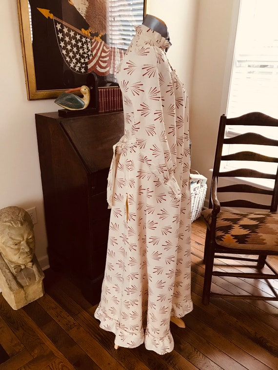 Antique 1880's Calico Print Dress. Wearable Size - image 10