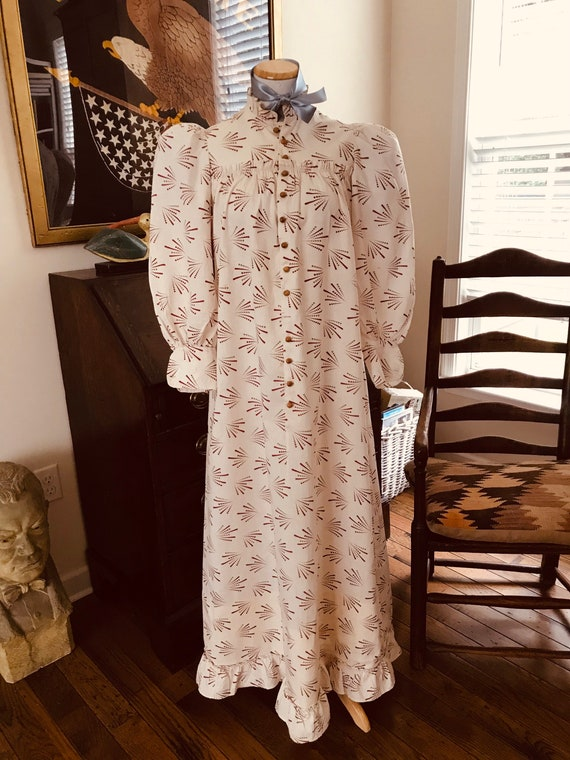 Antique 1880's Calico Print Dress. Wearable Size - image 8