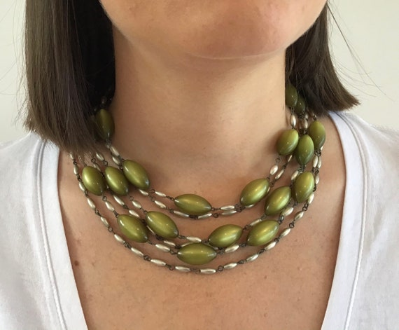 Vintage Green White Bead Necklace 1950/'s Bead Necklace Triple Strand Beads
