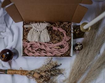Premium Macrame Gift Box Set | Large Size | Plant Hanger and Keychain | Custom Boho Birthday Gifts for Her| Fiber Art Decor