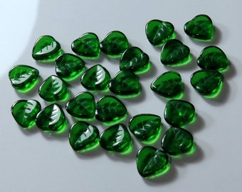 9mm Czech Green Glass Detailed Leaf Beads  Lot of 25 Leaves