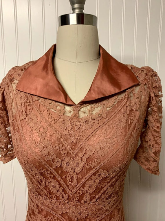 1940's Pink Lace Dress - image 3