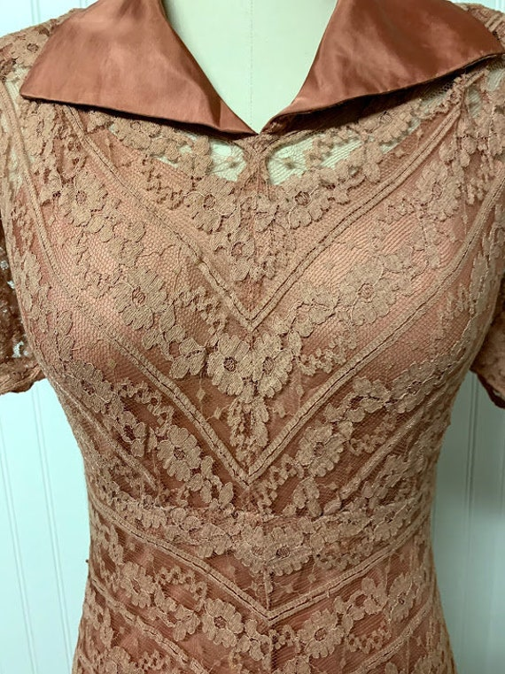 1940's Pink Lace Dress - image 2