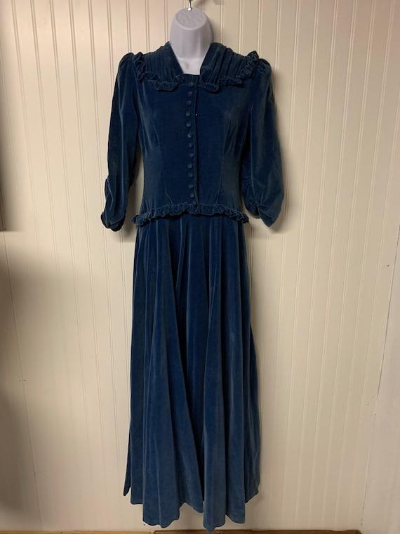 1930's Dropped Waist Velvet Dress - image 1