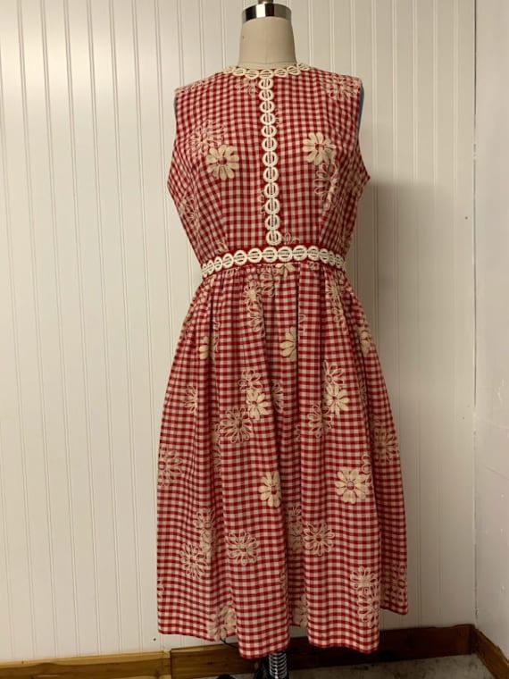1950's Gingham Daisy Print Dress
