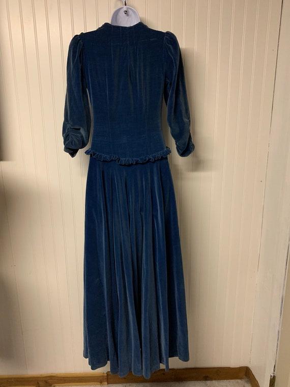 1930's Dropped Waist Velvet Dress - image 5