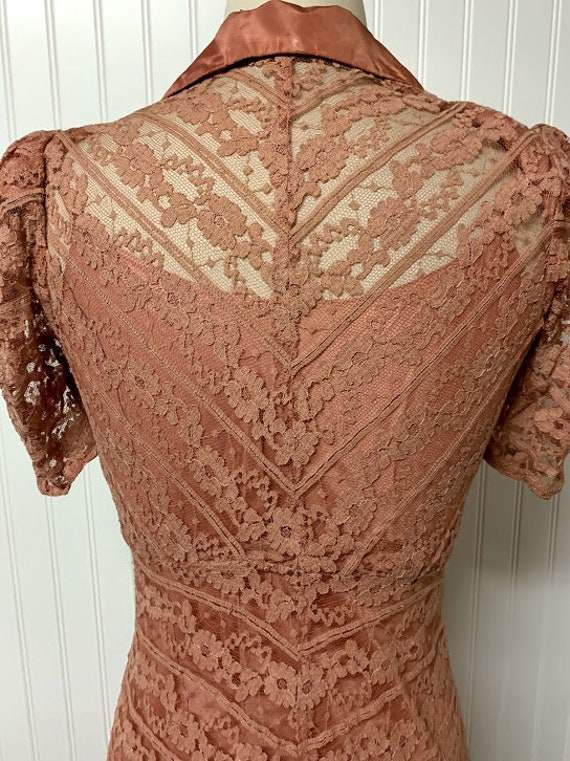 1940's Pink Lace Dress - image 5