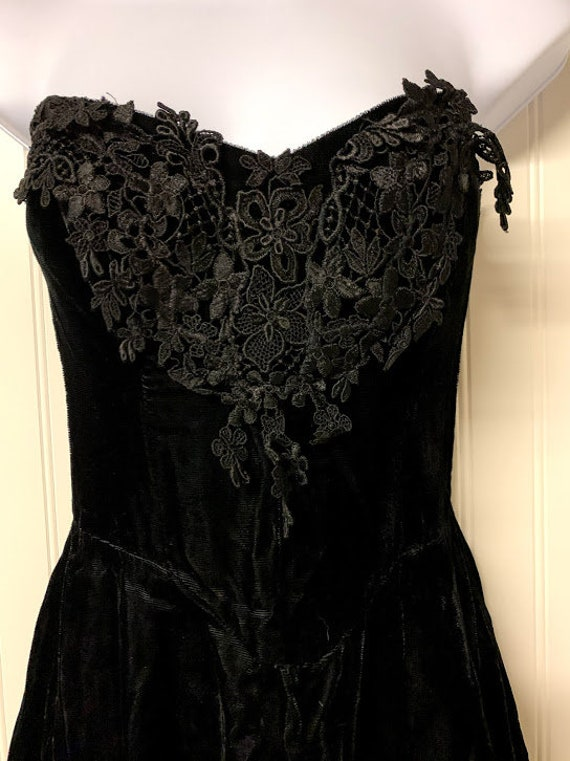Black Velvet Gunne Sax Dress - image 2