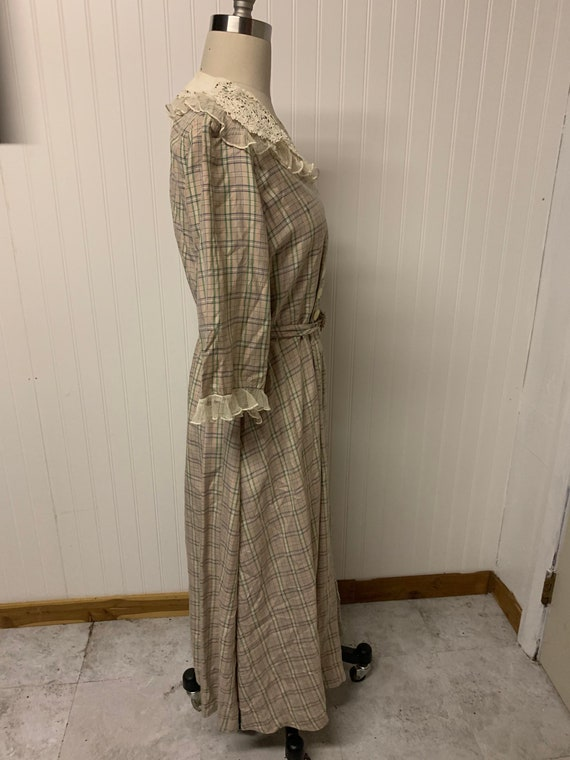 1940's Plaid Dress - image 4