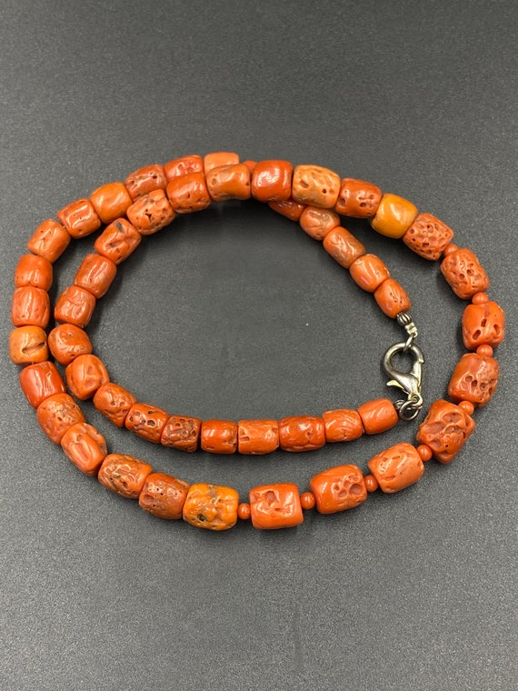 Rare 28.2g Natural Venetian Coral Beads Mediterranean Silver Necklace Undyed  Ukrainian style Vintage Old