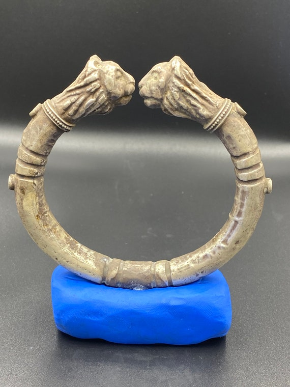 Very beautiful Ancient silver Greek bangle