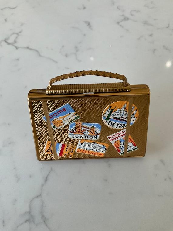 Vintage suitcase compact