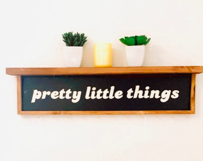 Jewelry Display-Pretty Little Things