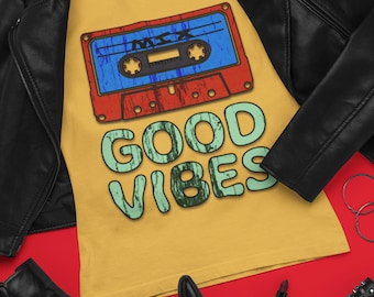 Good Vibes Distressed Grunge Vintage Style 80s 90s T Shirt