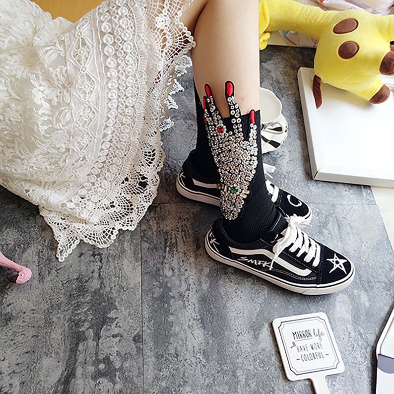Funny Hand  Pattern Unisex  Socks,Embroidered Hand Sock for Womens and Mens,Party Birthday Presents Novel Funny Socks